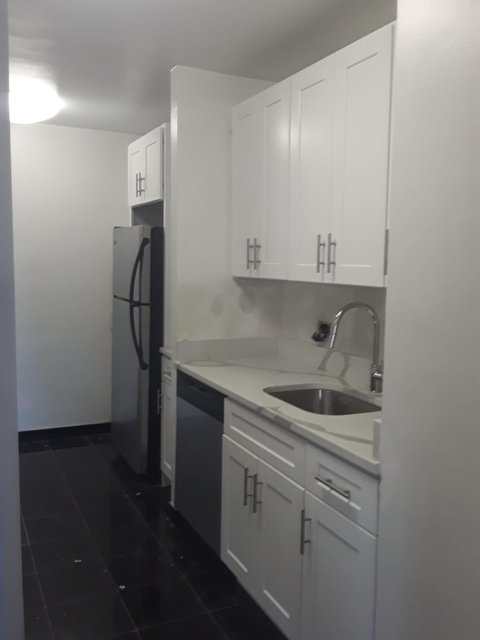 3 Bedrooms, Yorkville Rental in NYC for $6,600 - Photo 1