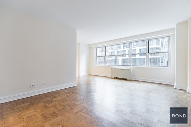 Studio, Theater District Rental in NYC for $2,600 - Photo 1