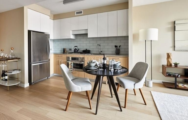 1 Bedroom, Astoria Rental in NYC for $2,590 - Photo 1