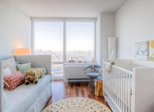 2 Bedrooms, Hell's Kitchen Rental in NYC for $6,000 - Photo 2