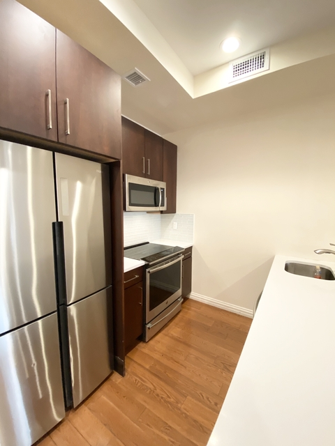 5 Bedrooms, Civic Center Rental in NYC for $11,000 - Photo 2