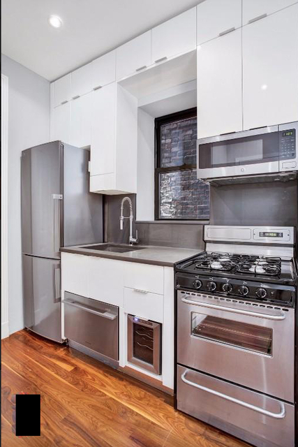 1 Bedroom, West Village Rental in NYC for $3,570 - Photo 2