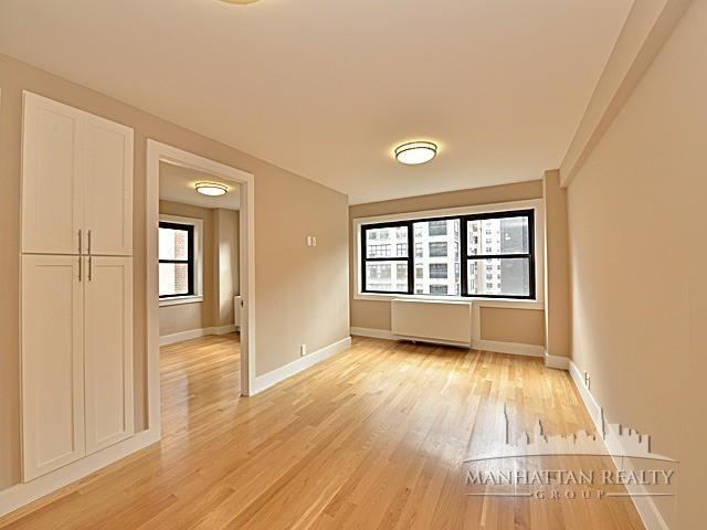 3 Bedrooms, Turtle Bay Rental in NYC for $6,850 - Photo 1