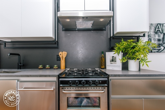 1 Bedroom, Bushwick Rental in NYC for $2,950 - Photo 2