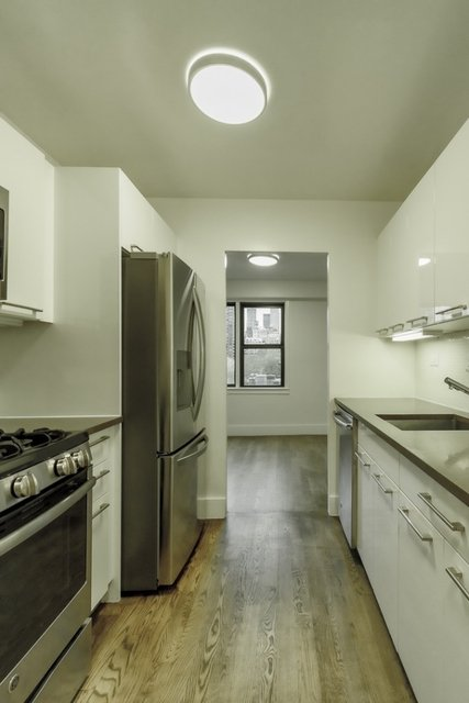 3 Bedrooms, Upper East Side Rental in NYC for $10,800 - Photo 2