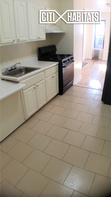 Studio, Hell's Kitchen Rental in NYC for $1,949 - Photo 2