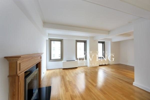 2 Bedrooms, Theater District Rental in NYC for $6,795 - Photo 2