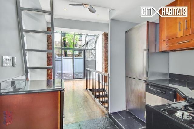 2 Bedrooms, NoLita Rental in NYC for $5,295 - Photo 1