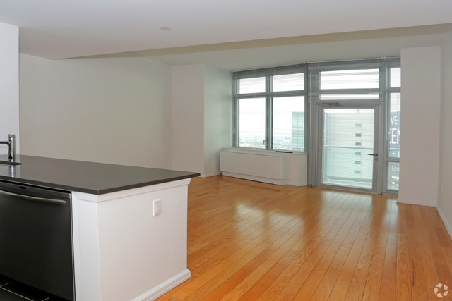 Studio, Hunters Point Rental in NYC for $2,398 - Photo 1