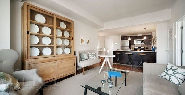 1 Bedroom, Astoria Rental in NYC for $2,775 - Photo 2
