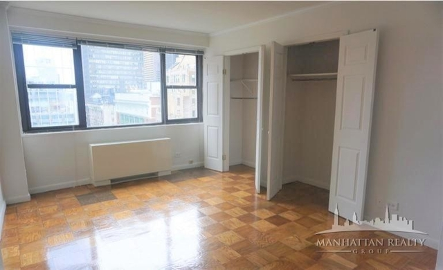 3 Bedrooms, Hell's Kitchen Rental in NYC for $3,550 - Photo 2