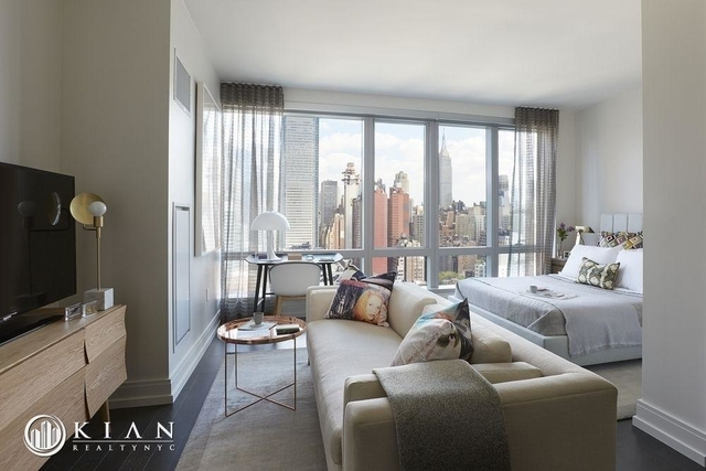 Studio, Hell's Kitchen Rental in NYC for $4,044 - Photo 1