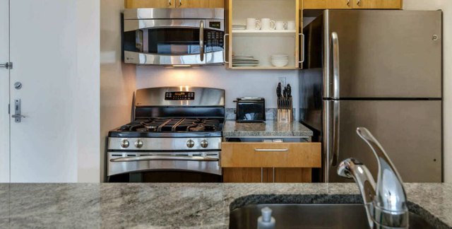 2 Bedrooms, Chelsea Rental in NYC for $6,819 - Photo 2