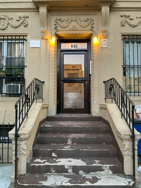 3 Bedrooms, Crown Heights Rental in NYC for $3,160 - Photo 1
