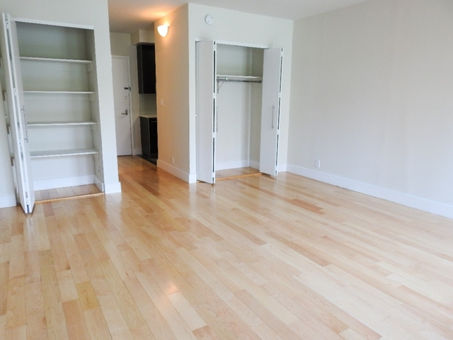 Studio, Hell's Kitchen Rental in NYC for $2,583 - Photo 2