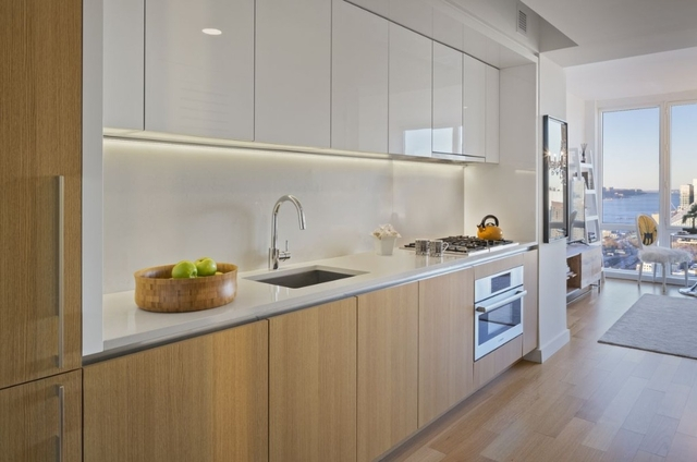 Studio, Hell's Kitchen Rental in NYC for $2,605 - Photo 2