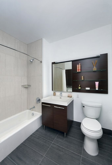 Studio, Long Island City Rental in NYC for $2,680 - Photo 1