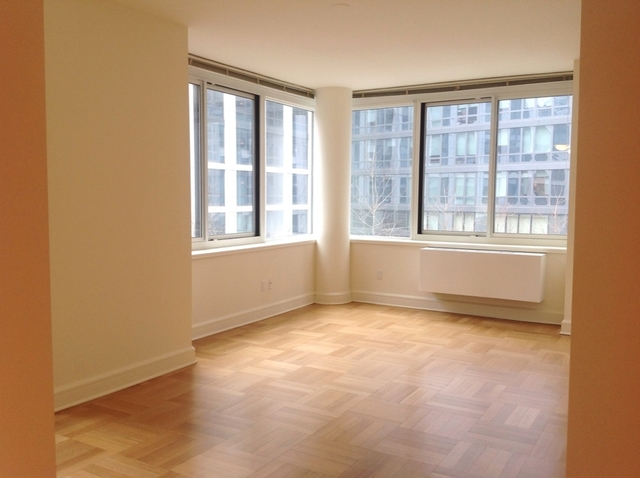 Studio, Lincoln Square Rental in NYC for $3,540 - Photo 2