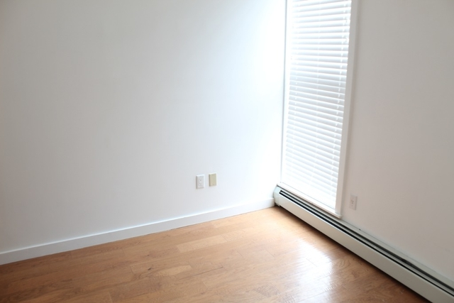 3 Bedrooms, Crown Heights Rental in NYC for $2,399 - Photo 2