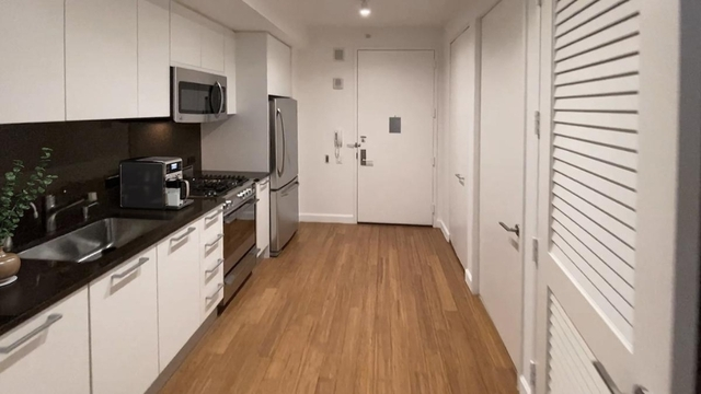 Studio, Garment District Rental in NYC for $2,888 - Photo 2
