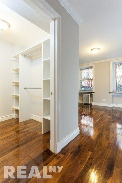 3 Bedrooms, Chelsea Rental in NYC for $6,919 - Photo 2