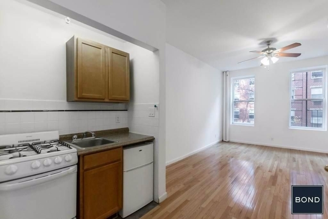 Studio, Hell's Kitchen Rental in NYC for $1,894 - Photo 2