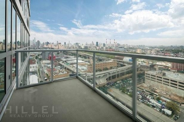 2 Bedrooms, Long Island City Rental in NYC for $4,408 - Photo 2