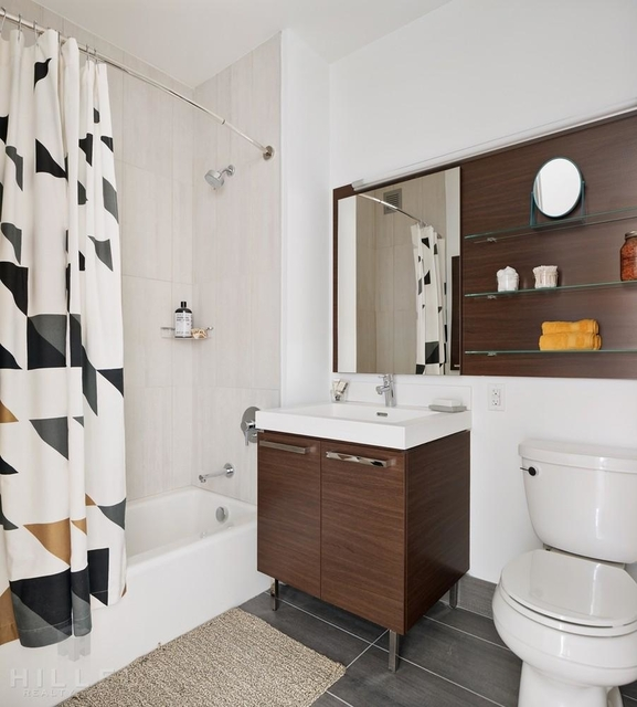 1 Bedroom, Long Island City Rental in NYC for $3,619 - Photo 2
