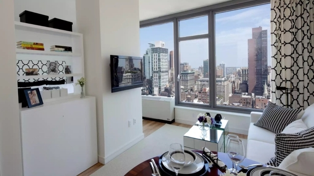 1 Bedroom, Chelsea Rental in NYC for $5,201 - Photo 1