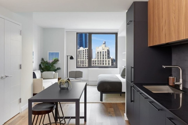 Studio, Hell's Kitchen Rental in NYC for $3,027 - Photo 2