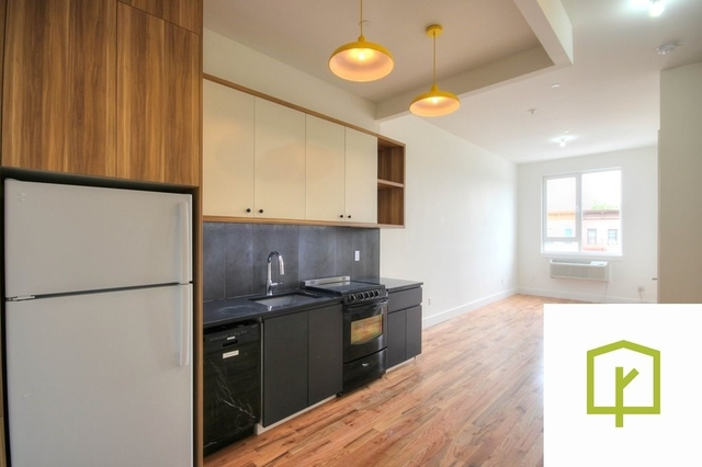 5 Bedrooms, Ocean Hill Rental in NYC for $3,800 - Photo 1