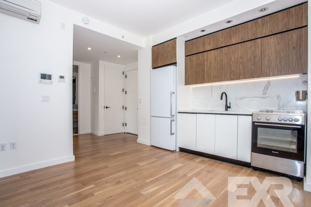 2 Bedrooms, Flatbush Rental in NYC for $2,410 - Photo 2
