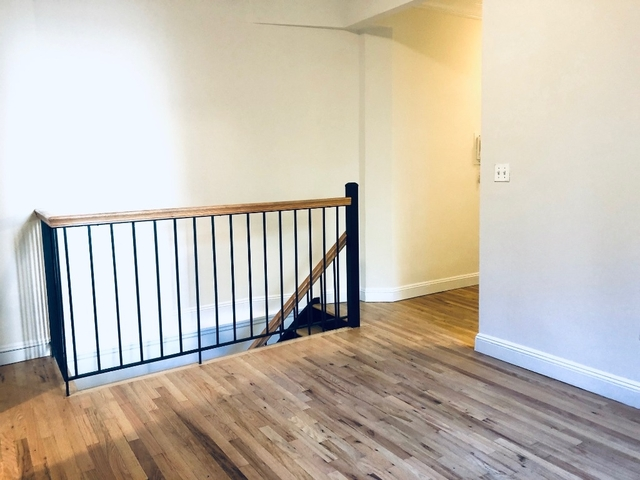 4 Bedrooms, Chelsea Rental in NYC for $5,975 - Photo 2