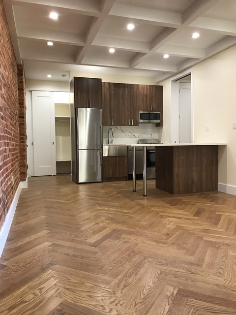 3 Bedrooms, Crown Heights Rental in NYC for $3,441 - Photo 2