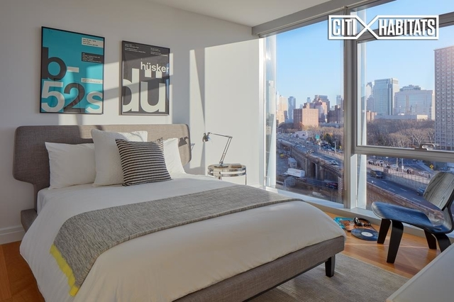 2 Bedrooms, DUMBO Rental in NYC for $6,320 - Photo 2