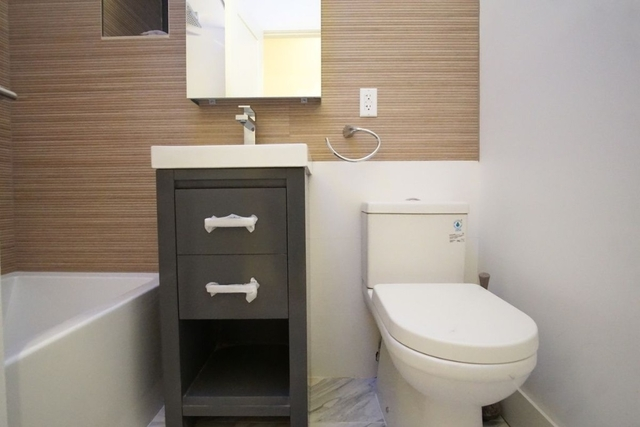 2 Bedrooms, Bedford-Stuyvesant Rental in NYC for $2,899 - Photo 2