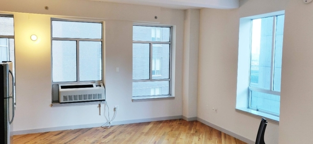 2 Bedrooms, Long Island City Rental in NYC for $3,150 - Photo 2