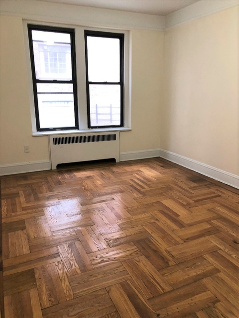 2 Bedrooms, Yorkville Rental in NYC for $4,300 - Photo 2