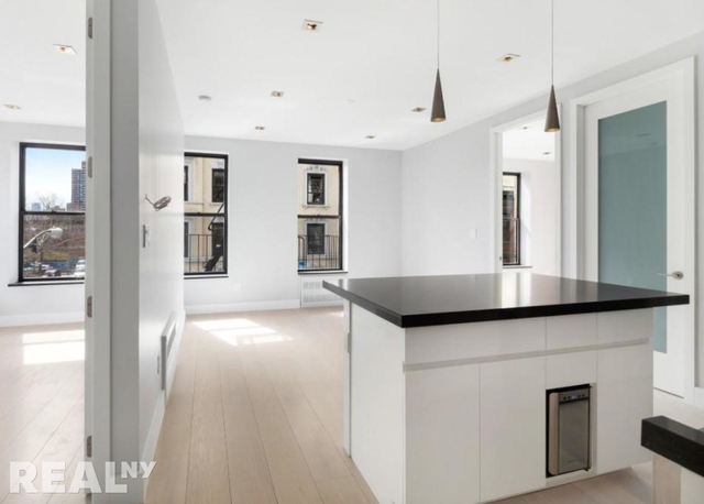 4 Bedrooms, Lower East Side Rental in NYC for $5,895 - Photo 1