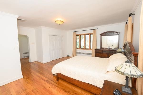3 Bedrooms, Forest Hills Rental in NYC for $6,100 - Photo 1