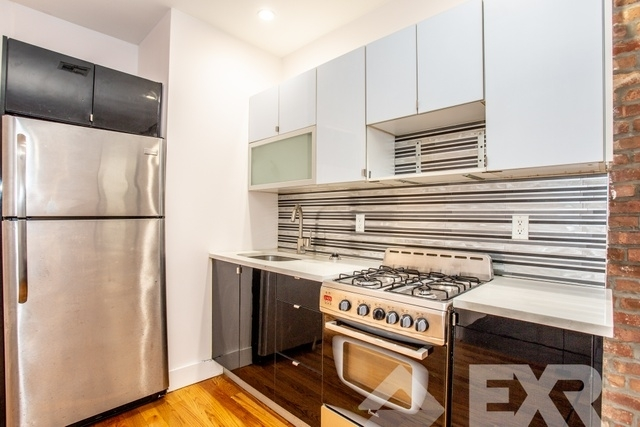 3 Bedrooms, Bushwick Rental in NYC for $4,299 - Photo 2