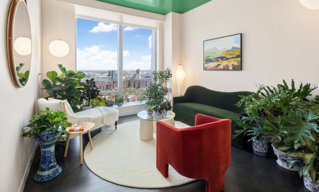 1 Bedroom, Two Bridges Rental in NYC for $4,104 - Photo 2