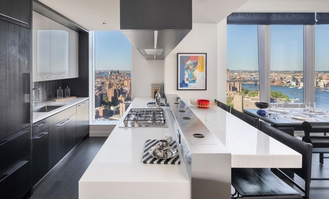 2 Bedrooms, Two Bridges Rental in NYC for $7,292 - Photo 2