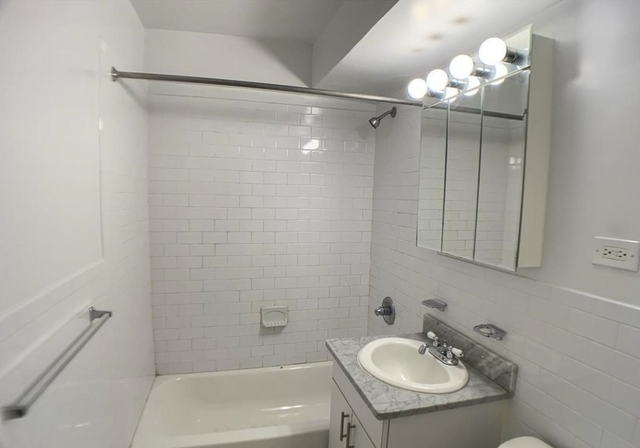 Studio, Sutton Place Rental in NYC for $2,764 - Photo 2
