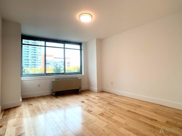 1 Bedroom, Hunters Point Rental in NYC for $3,277 - Photo 2