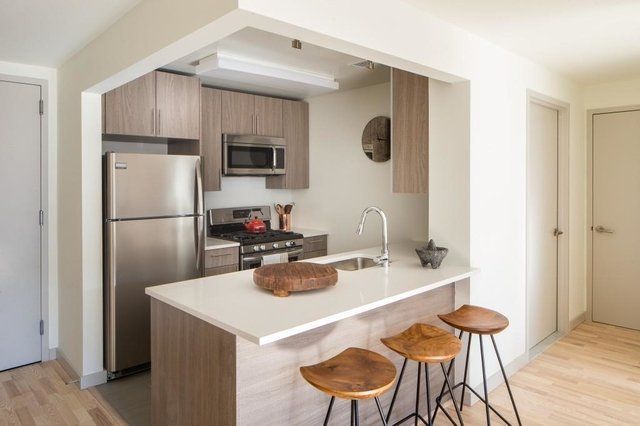 2 Bedrooms, Greenpoint Rental in NYC for $4,465 - Photo 1