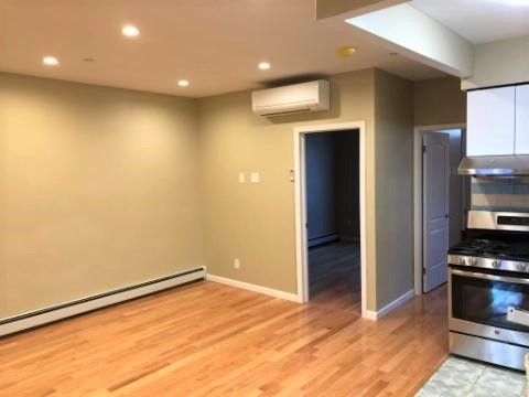 3 Bedrooms, Sunset Park Rental in NYC for $2,699 - Photo 2