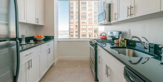 2 Bedrooms, Lincoln Square Rental in NYC for $6,975 - Photo 1