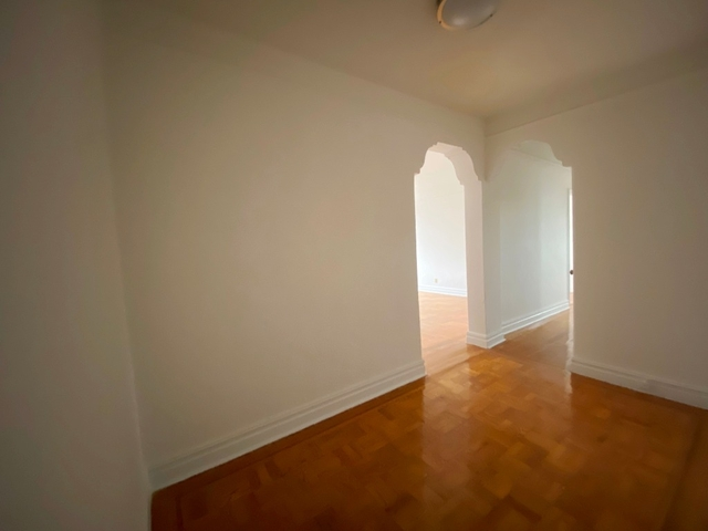 2 Bedrooms, Madison Rental in NYC for $2,300 - Photo 1