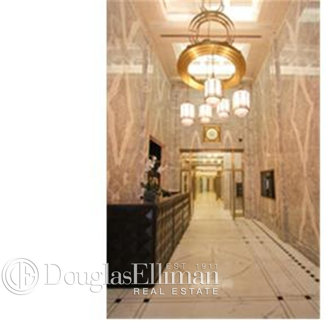 3 Bedrooms, Financial District Rental in NYC for $6,247 - Photo 2